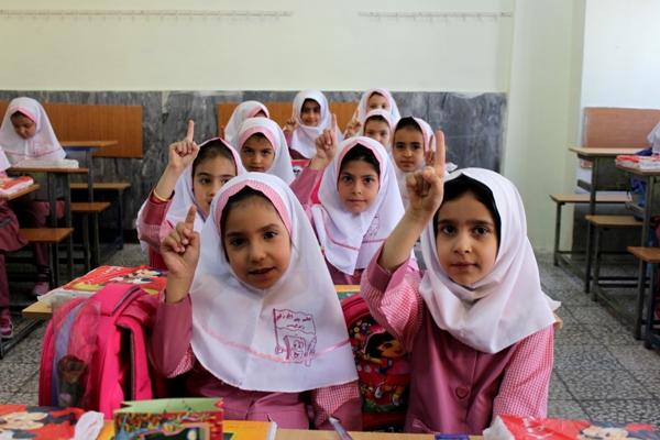 دولتیاری/ تلفنیورود حدود یک و نیم میلیون کلاس اولی به مدارس در سال تحصیلی جدید/ برگزاری دورههای آموزش خانواده برای اولیا