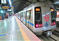 افتادن دلخراش یک زن به زیر چرخهای مترو + فیلم