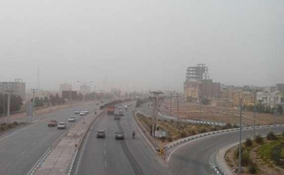 باشگاه خبرنگاران - ورود گرد و غبار به آسمان کرمان/ شاخص آلودگی هوا بیش از 3 برابر حد مجاز + فیلم