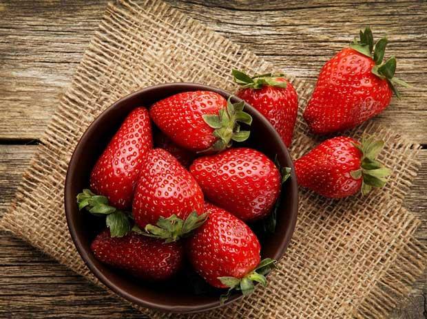 تاثیر مصرف توت و انگور بر تقویت سلامت ریه ها