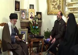 لحظاتی از حضور رهبر انقلاب در منزل شهید حدادیان +فیلم