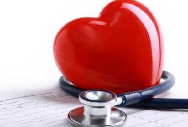۶ علامت هشداردهنده که میگوید قلبتان بیمار است
