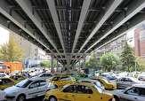 باشگاه خبرنگاران -مسیر غرب به شرق پل کریمخان مسدود است/ رانندگان در زمان طوفان چراغهای وسیله نقلیه خود را روشن کنند
