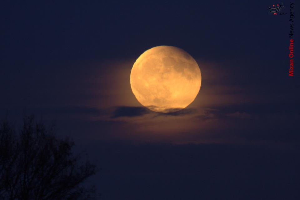 طولانی شدن روزها با دورشدن ماه از زمین