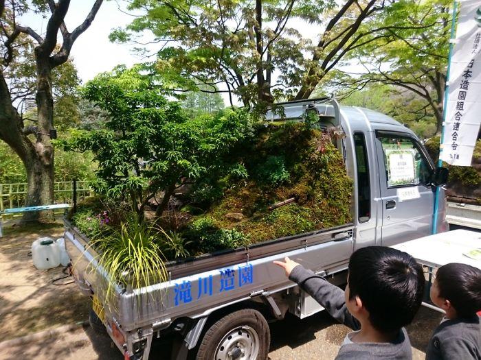 مسابقه عجیب کامیون داران در ژاپن