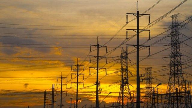 روابط عمومی/بهاي برق مصرفي روزانه هر خانوار كمتر از هزینه یک باطری قلمی است