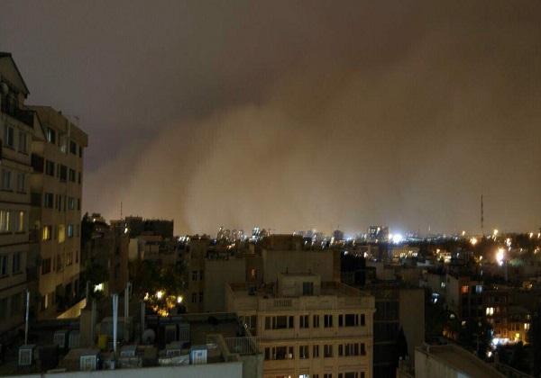 تهران امشب میزبان طوفانی با سرعت ۸۵ کیلومتر بر ساعت است/ آمار خسارات طوفان شب گذشته