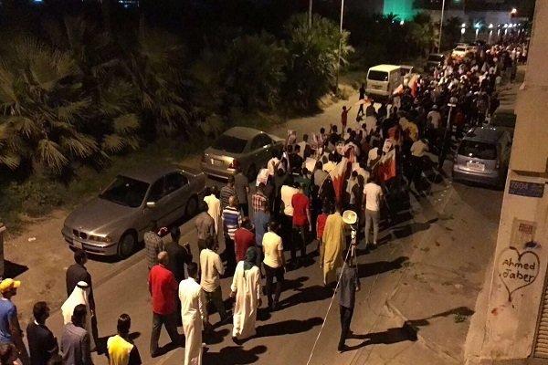 ادامه تظاهرات شبانه بحرینیها