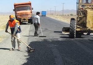 لکه گیری بیش از 24 هزار متر مربع از راه های آسفالته استان همدان