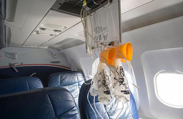 مکانیزم جالب ماسک اکسیژن خلبانان در مواقع اضطراری +فیلم