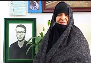 مادر شهید محمدرضا شفیعی به دیدار پسرش شتافت + فیلم