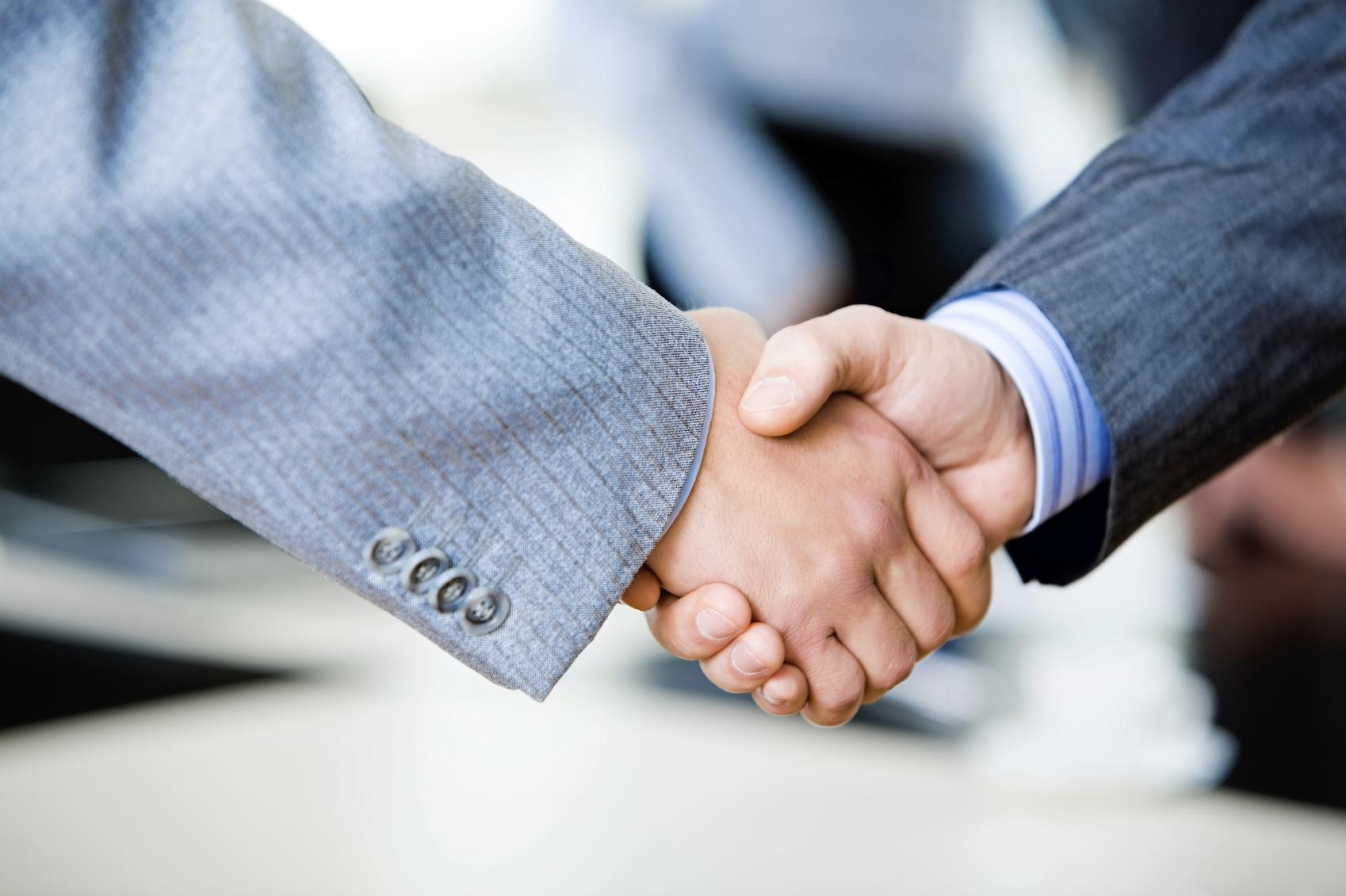 استخدام کارشناس ارشد فروش در شرکت فناوری اطلاعات
