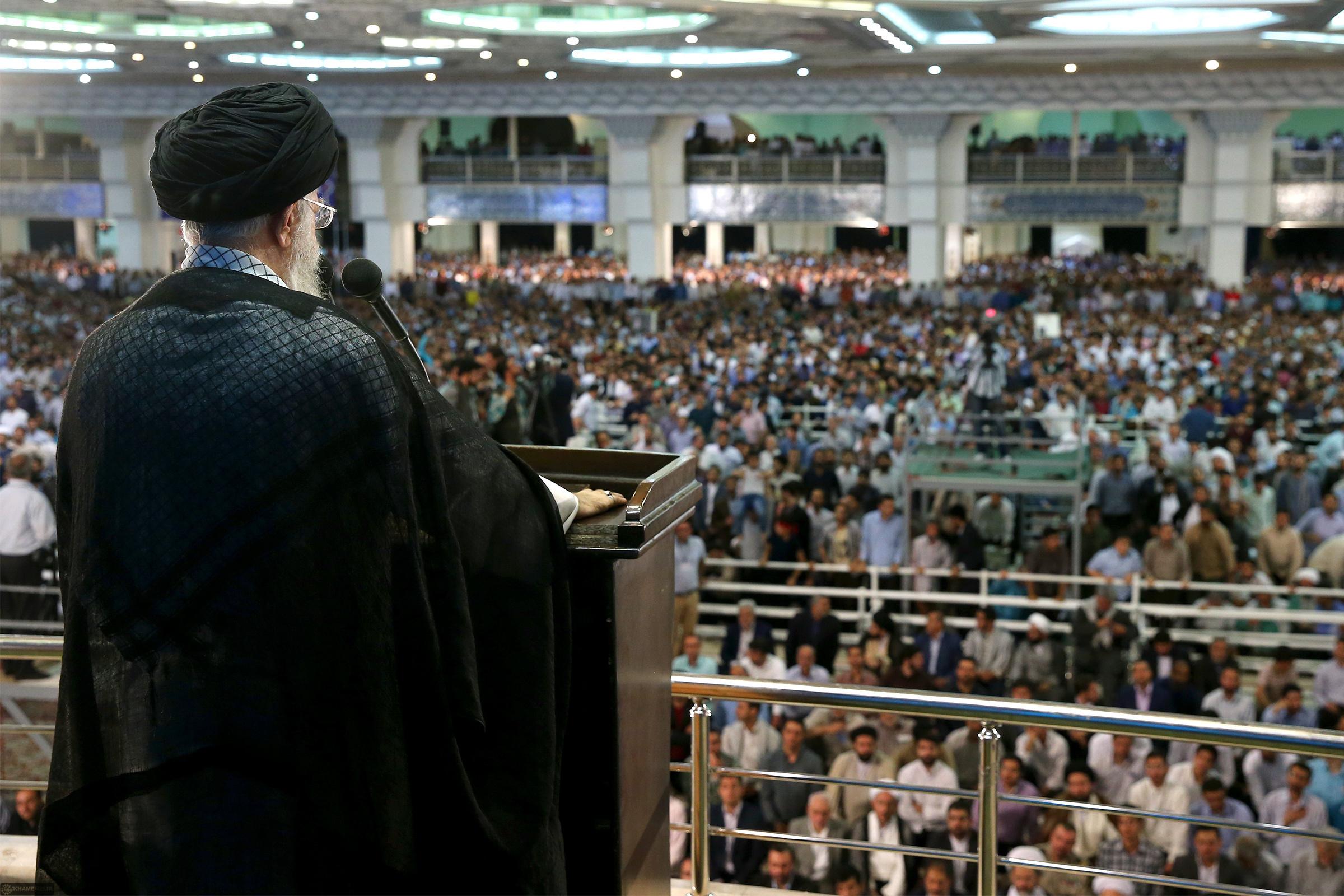 خطبههای نماز عید فطر به عنوان مسیر ریل گذاری سیاستهای نظام