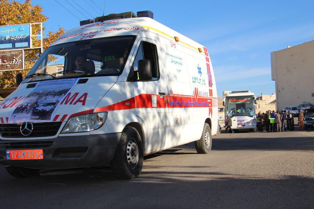 واژگونی یک دستگاه خودروی رانا در زنجان 5 مصدوم بر جا گذاشت
