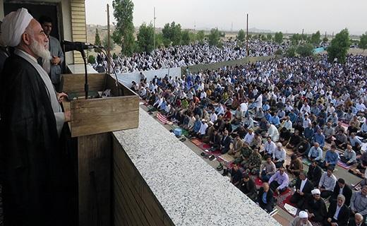 اقامه نماز عید سعیدفطر در سیستان و بلوچستان +تصاویر