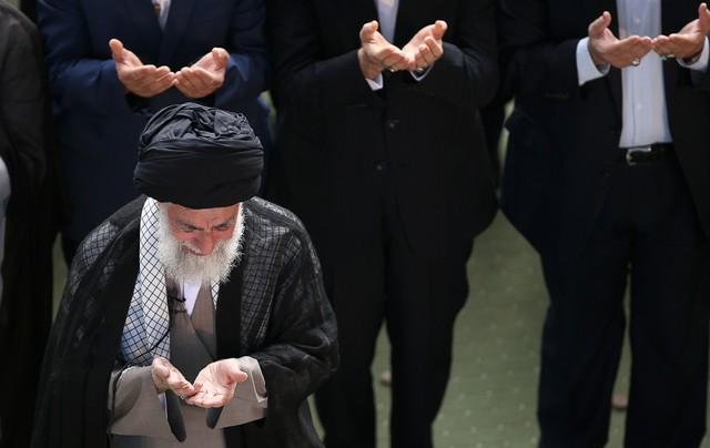 اقامه نماز عید سعید فطر به امامت رهبر انقلاب تا دقایقی دیگر