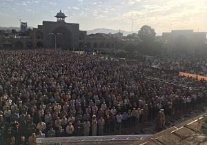 اقامه نماز عید بندگی در قزوین
