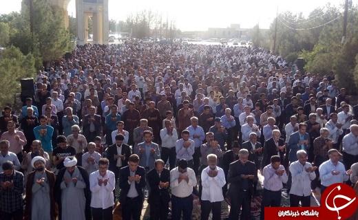 اقامه نماز شکرانه یک ماه بندگی در استان یزد +تصاویر