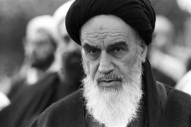 انقلاب مردم ایران به بنبست نرسیده است/ کمونیست چه غلطی میتواند بکند؟