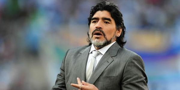 مارادونا: سامپائولی با عملکردش مقابل ایسلند باعث ننگ ما شد