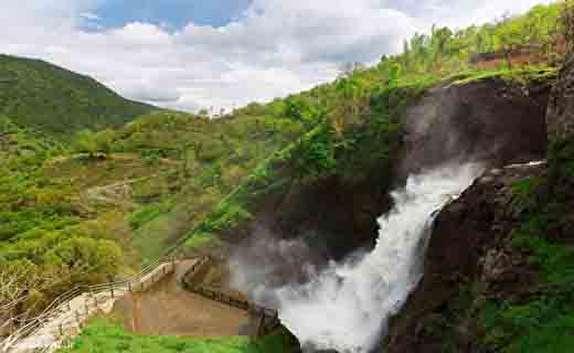 باشگاه خبرنگاران -افزوده شدن آبشار شلماش به فهرست آثار تاریخی کشور