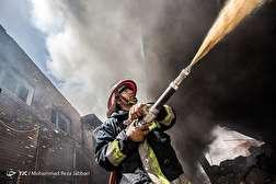 باشگاه خبرنگاران - آتشسوزی در واحد صنعتی تولید چسب - قم