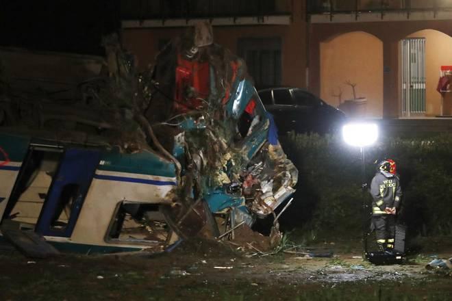20 کشته و زخمی در پی سانحه ریلی در ایتالیا