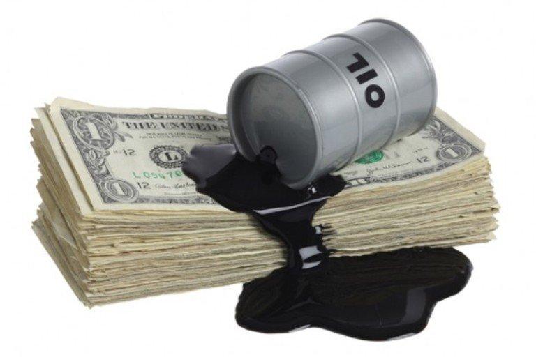 خروج ترامپ از توافق هستهای، نفت را به ۱۰۰ دلاری می کند
