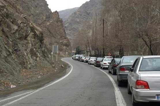 مصدومیت ۴ نفر در اثر ریزش کوه در جاده چالوس