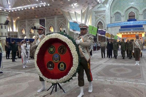 جمعی از فرماندهان نیروهای مسلح با آرمانهای امام راحل (ره) تجدید میثاق کردند