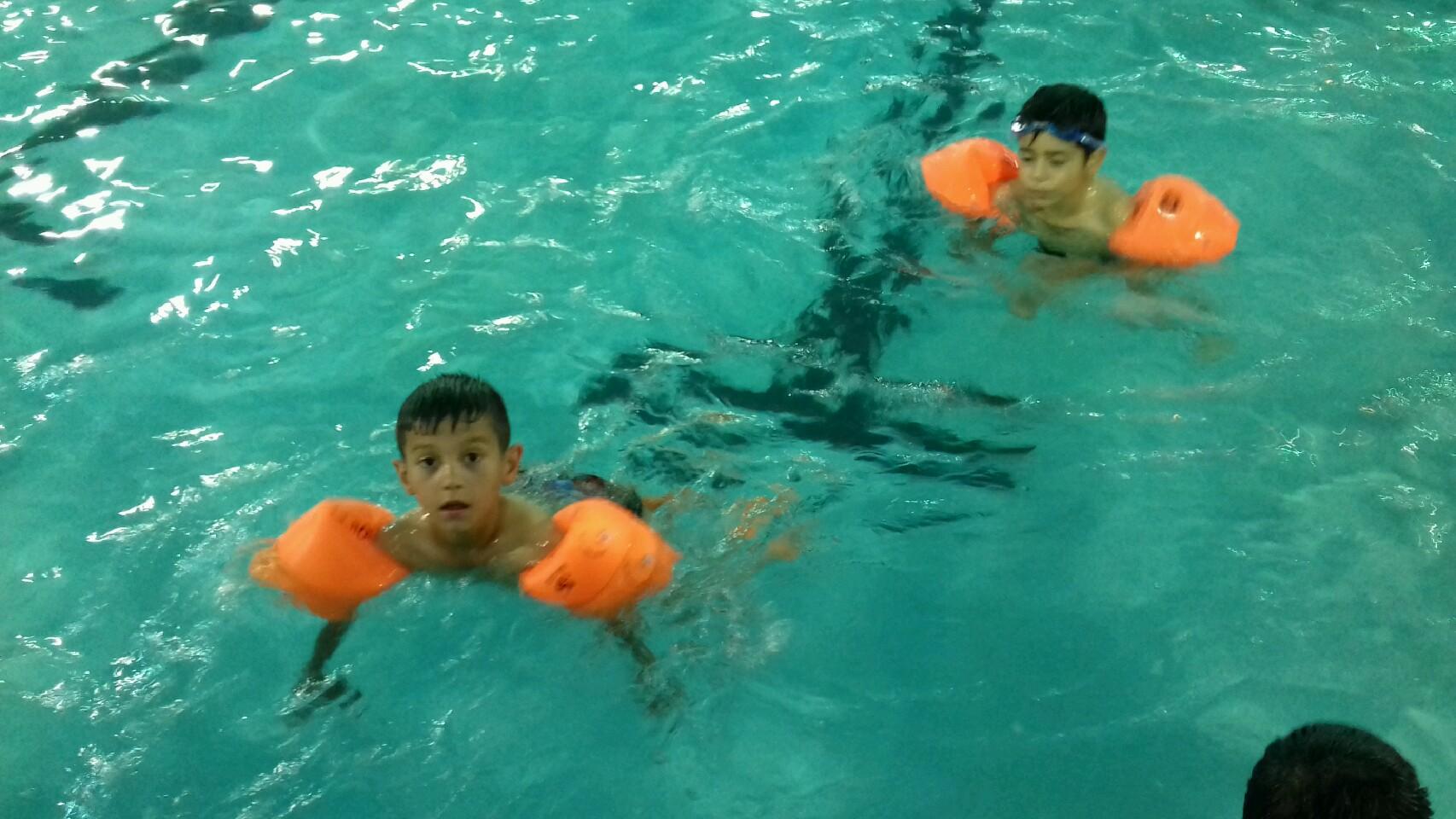 برگزاری مسابقات شنا در مشهد