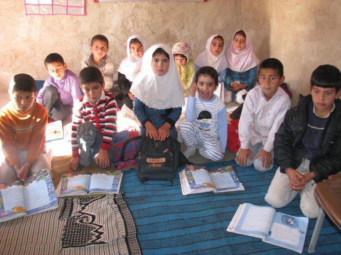 اجرای طرح خواهرخواندگی در مدارس مناطق محروم/ تلاش برای توسعه پوشش تحصیلی دختران