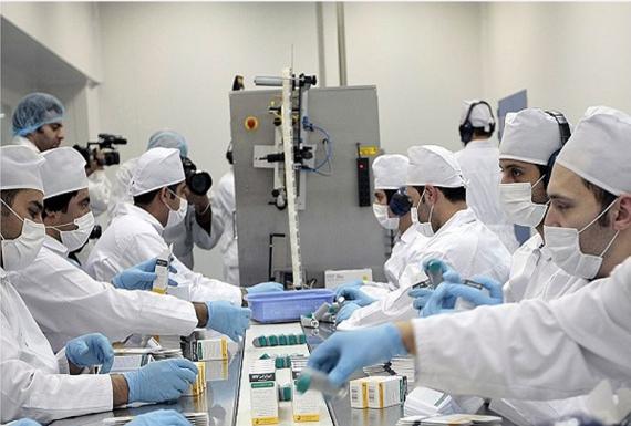 صادرات ۱۲۰ میلیون دلاری داروی ایرانی/ هیچ کشوری در دنیا تولیدکننده صد در صد دارو نیست