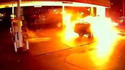 راننده نوجوان پمپ بنزین را به آتش کشید + فیلم