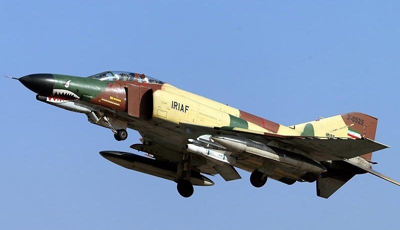 یک فروند جنگنده F-۴ در پایگاه هوایی تهران اورهال شد