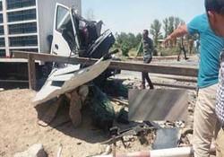 تصادف مرگبار قطار با کامیون در پیشوا + فیلم و تصاویر