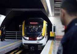 واکنش مرد مسن به زنی که صندلیاش را در مترو به او نبخشید+فیلم
