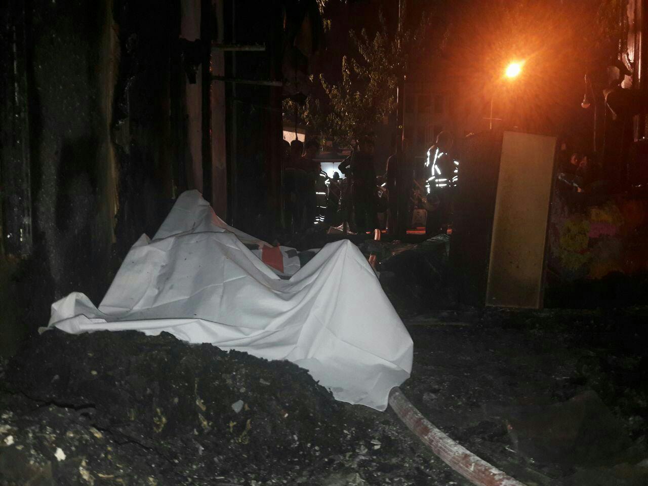 فوت یک تن در حادثه آتش سوزی مغازه مانتو فروشی در خیابان جمهوری