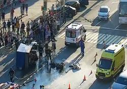 انفجار مرگبار موتورسیکلت پس از تصادف با کامیون + فیلم