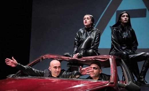 ادامه هنجارشکنیهای تئاتر با تک خوانی زن + فیلم