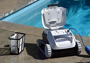 رباتی برای تمیز کردن کف استخرها + فیلم