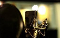 نامرئی شدن خانم مجری در برنامه زنده! +فیلم