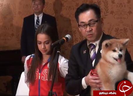 هدیه عجیب دیپلمات ژاپنی به قهرمان المپیک  + تصاویر