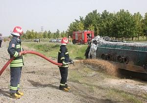 تانکر تریلی حامل بنزین در محور اراک - ملایر واژگون شد