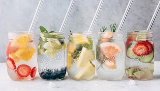 بهترین جایگزینها برای آب در فصل گرما را بشناسید