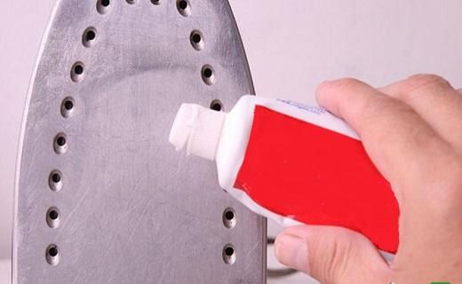 6 راه حل ساده برای تمیز کردن اتو