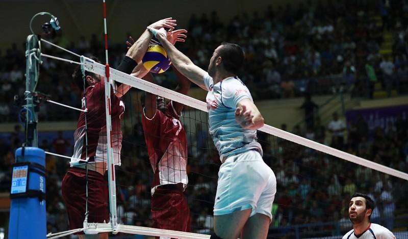 نامتخصصان خارجی گزینههای ناخلف والیبال/ نمرههای منفی فدراسیون در میزبانی از ملتها