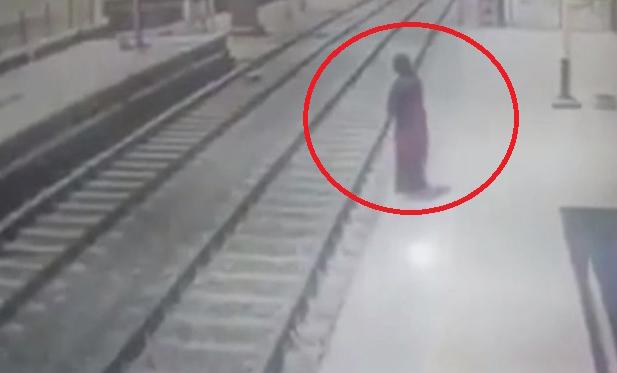 ویدئویی دردناک از خودکشی دختر جوان در ایستگاه قطار!