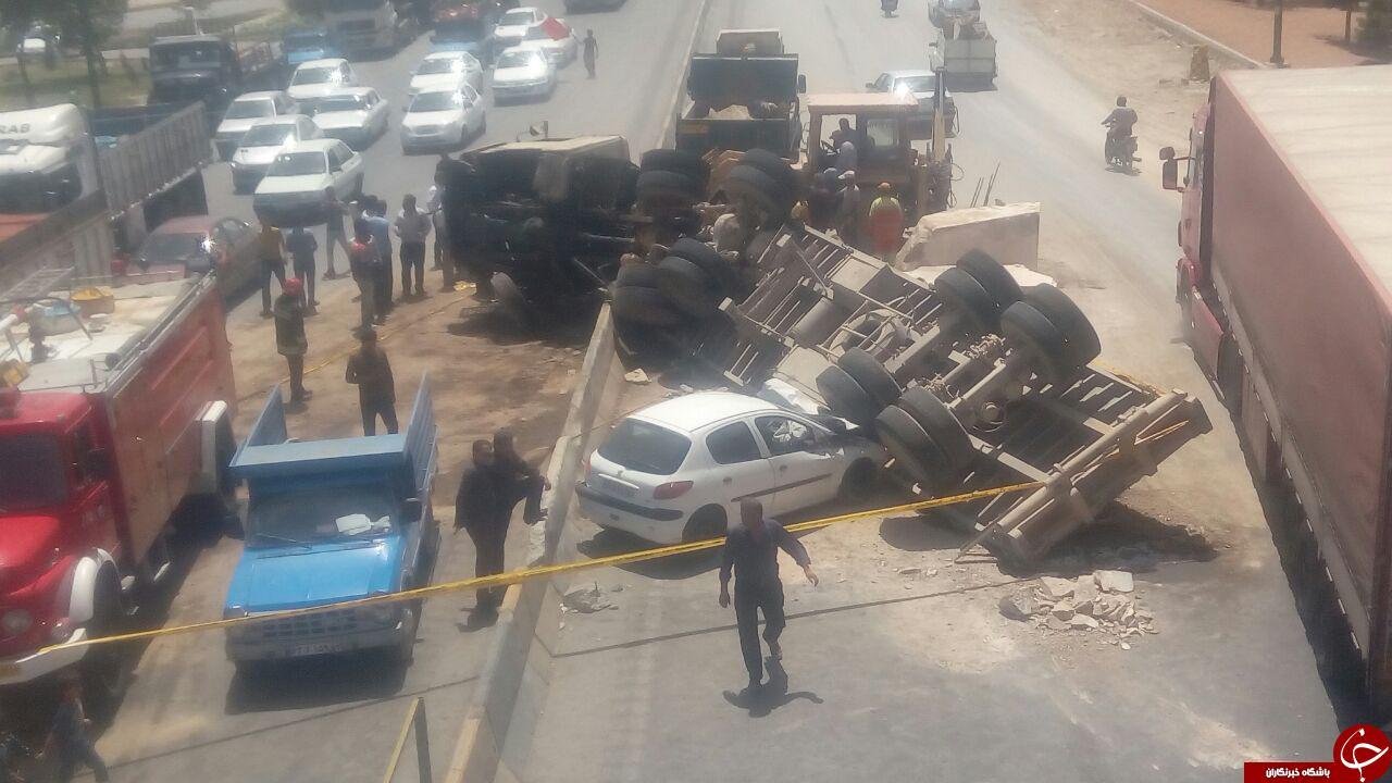 واژگونی تریلی در بزرگراه شهید اردستانی + فیلم