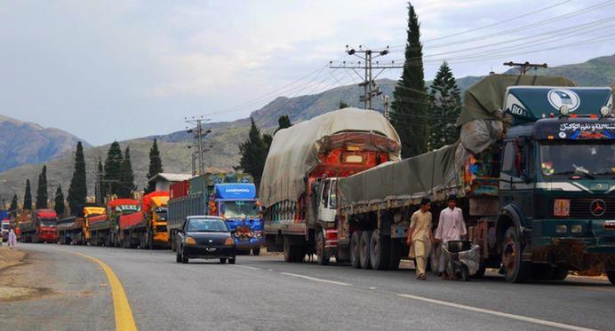 شرط افغانستان برای تردد موترهای تجاری پاکستان